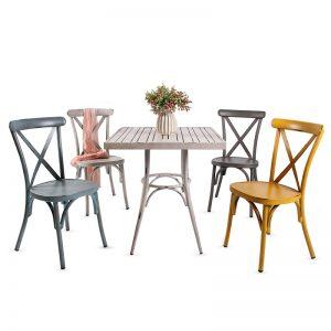 סט וינטג' שולחן מרובע + 4 כסאות