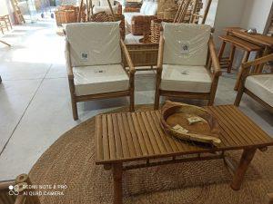 כורסא בודדת במבוק