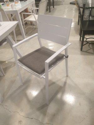 כסא בוורלי לבן